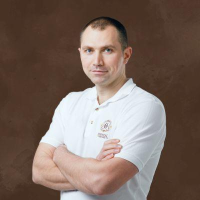 Врач стоматолог-хирург, имплантолог, челюстно-лицевой хирург Каличава Александр Неронович
