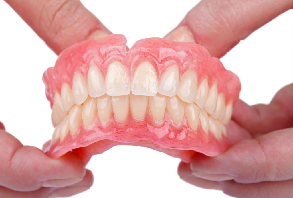 Съемное протезирование в Dental House